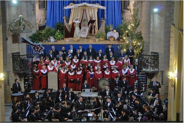 Hoy concierto de navidad en la parroquia de santiago for Concierto hoy en santiago