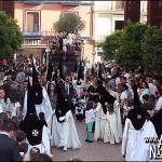 Reparto de papeletas de sitio en la Hermandad del Rosario