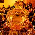 El taller de Ana Galiano restaura el paso del Cristo de la Buena Muerte