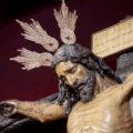 La imponente estampa del crucificado del Amor con potencias