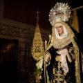 Traslado de la Virgen de la Soledad a su Capilla tras un mes en San Sebastián